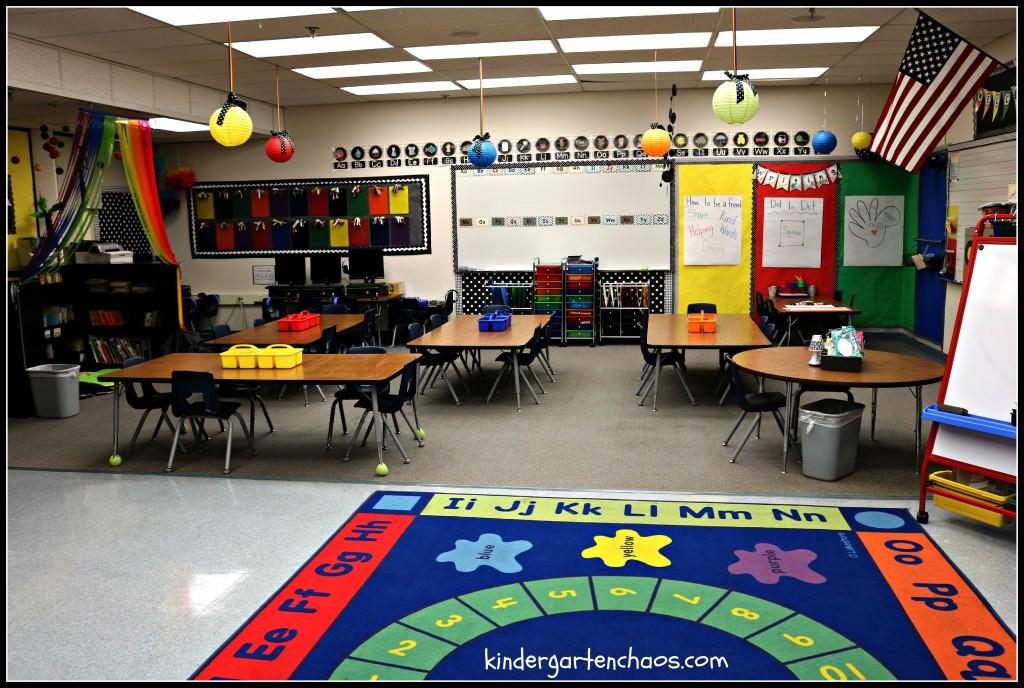 Kindergarten Classroom Reveal - kindergartenchaos.com